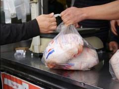 نرخ غیررسمی بازار مرغ را بی ثبات میکند/ مرغداران بلاتکلیفند